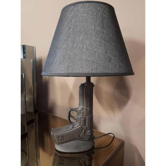 Pistool 9mm Tafellamp Zwart met Zwarte Kap