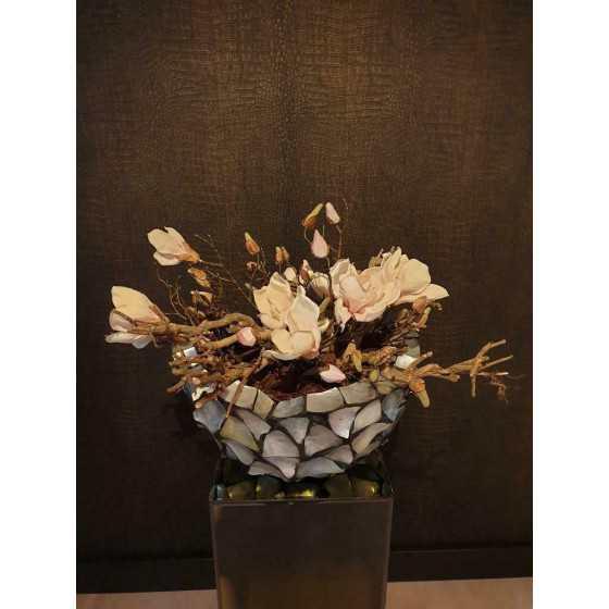 Opgemaakte schelpenvaas broken bowl 40 cm magnolia zilver parelmoer