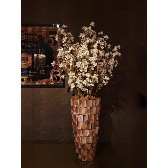 Opgemaakte schelpenvaas met bloesemboom 120cm