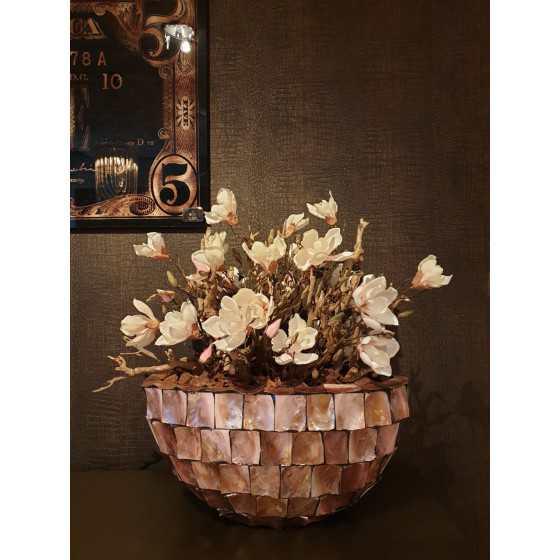 Opgemaakte schelpenvaas schuit magnolia 60 cm