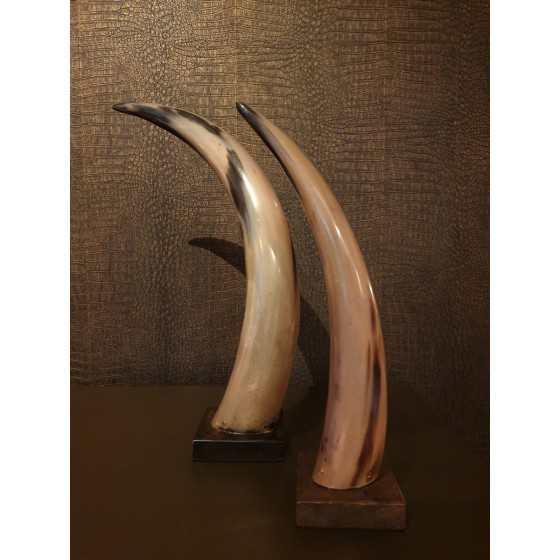 Hoorn op houten voet 55 cm