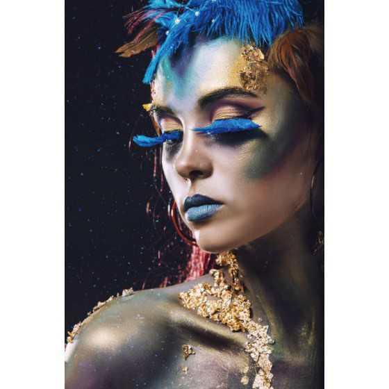 Glasschilderij Vrouw blauwe wimpers 120x80 cm